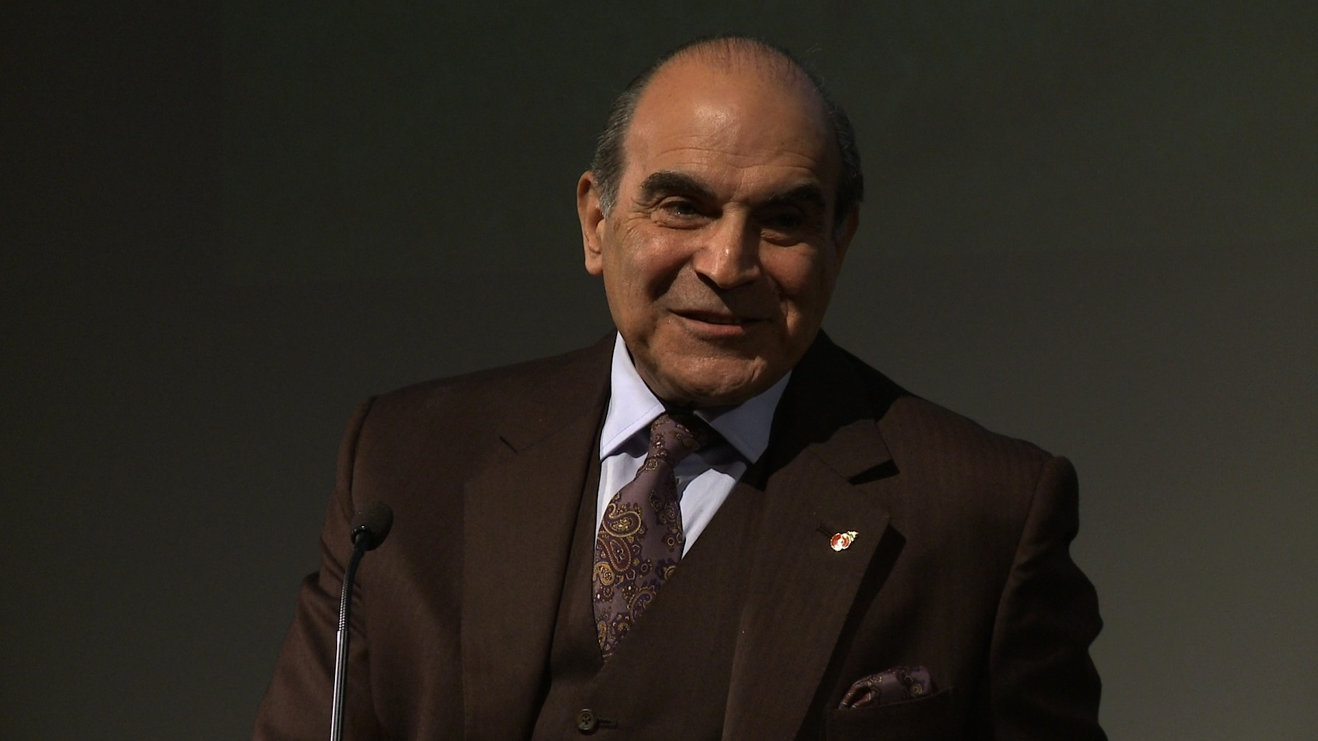 photo David Suchet (born 1946)