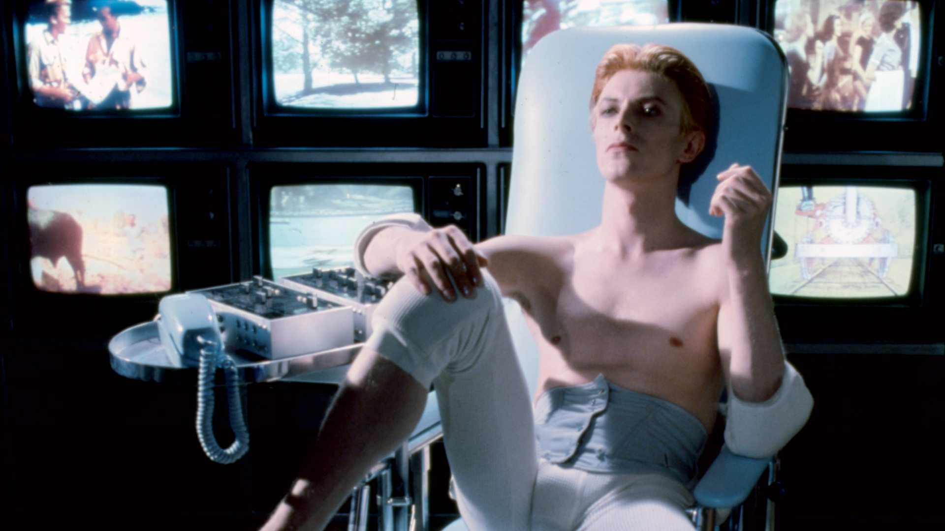 http://www.bfi.org.uk/films-tv-people/sites/bfi.org.uk.films-tv-people/files/image/20160918-man-who-fell-to-earth-1976-1920x1080.jpg