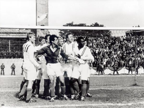 Sylvester Stallone, Michael Caine, Pelé