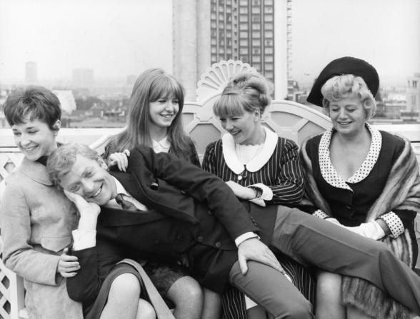 Vivien Merchant, Michael Caine, Jane Asher, Julia Foster, Shelley Winters