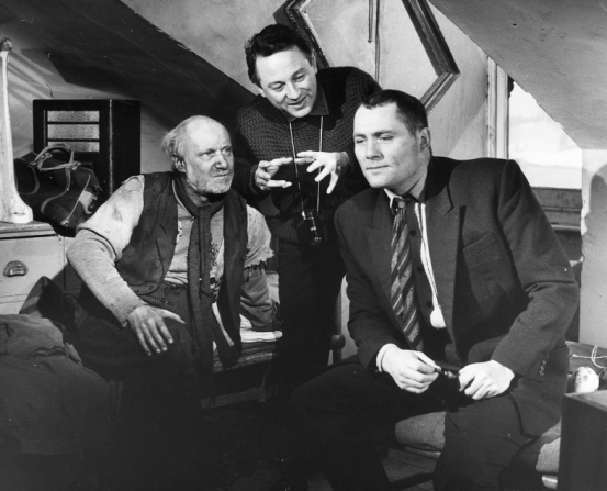 Donald Pleasence, Robert Shaw, Clive Donner