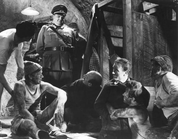 Denis Shaw, Lionel Jeffries, John Mills