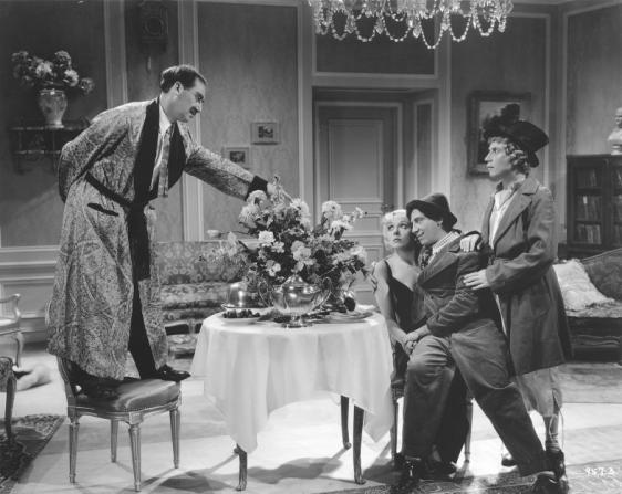 Groucho Marx, Esther Muir, Chico Marx, Harpo Marx