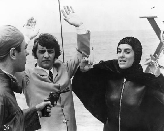 Victor Spinetti, Ringo Starr, Eleanor Bron