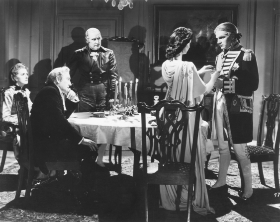 Gladys Cooper, Halliwell Hobbes, Alan Mowbray, Vivien Leigh, Laurence Olivier