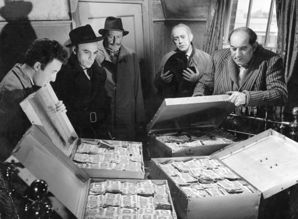 Alec Guinness, Peter Sellers, Herbert Lom, Danny Green, Cecil Parker