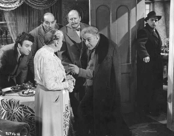 Peter Sellers, Danny Green, Cecil Parker, Katie Johnson, Alec Guinness, Herbert Lom