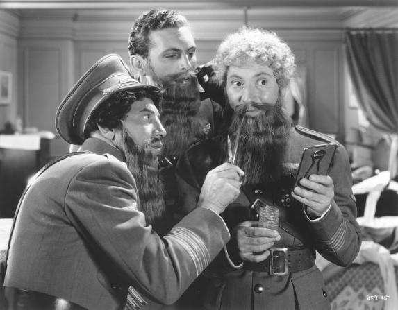 Chico Marx, Allan Jones, Harpo Marx
