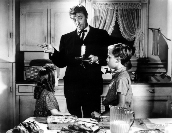 Sally Jane Bruce, Robert Mitchum, Billy Chapin