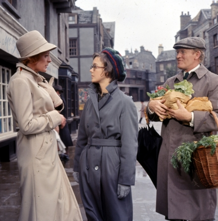 Maggie Smith, Pamela Franklin, Gordon Jackson