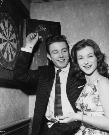 Albert Finney, Shirley Anne Field