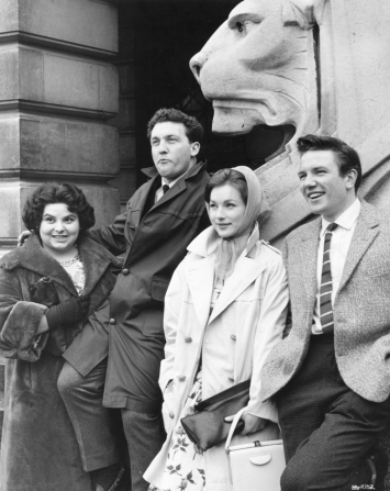 Norman Rossington, Shirley Anne Field, Albert Finney, Louise Dunn