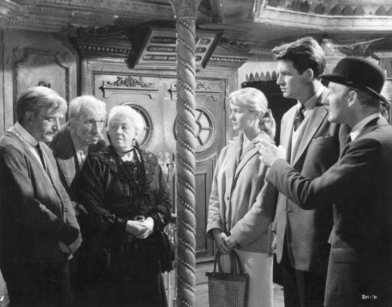 Peter Sellers, Bernard Miles, Margaret Rutherford, Virginia Mckenna, Bill Travers, Leslie Phillips