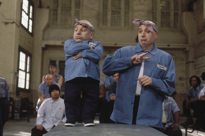 Verne J. Troyer, Mike Myers