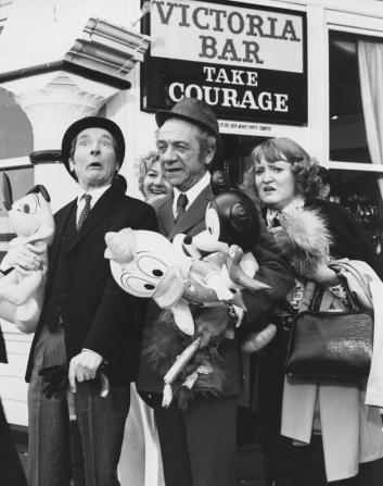 Kenneth Williams, Patsy Rowlands, Joan Sims, Sidney James
