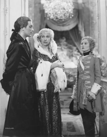 Douglas Fairbanks Jr, Flora Robson, Elisabeth Bergner