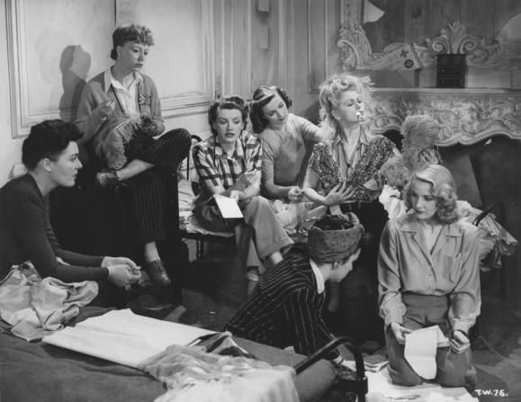 Hilda Campbell-russell, Thora Hird, Phyllis Calvert, Patricia Roc, Renée Houston, Marpessa Dawn, Anne Crawford