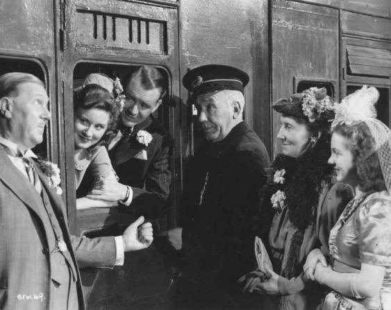 Wallace Lupino, Beatrice Varley, Vera Frances, John Mills, Joy Shelton