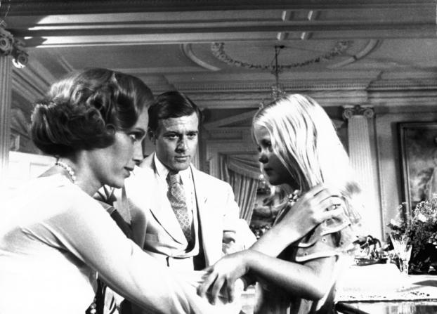 Mia Farrow, Robert Redford, Patsy Kensit