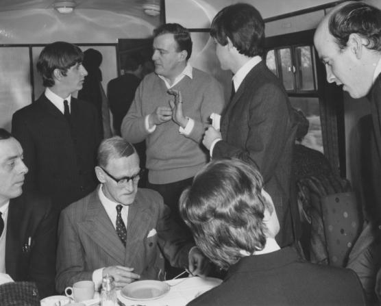 John Junkin, Ringo Starr, Wilfrid Brambell, Richard Lester, Paul McCartney, John Lennon