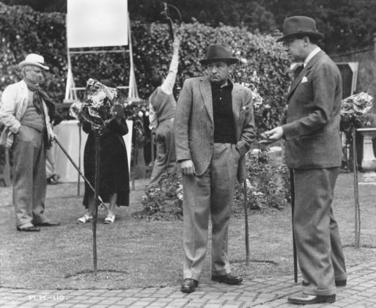Ralph Richardson, Lothar Mendes, Roland Young