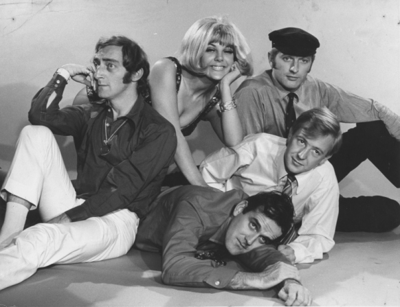 Marty Feldman, Aimi Macdonald, John Cleese, Tim Brooke-taylor, Graham Chapman