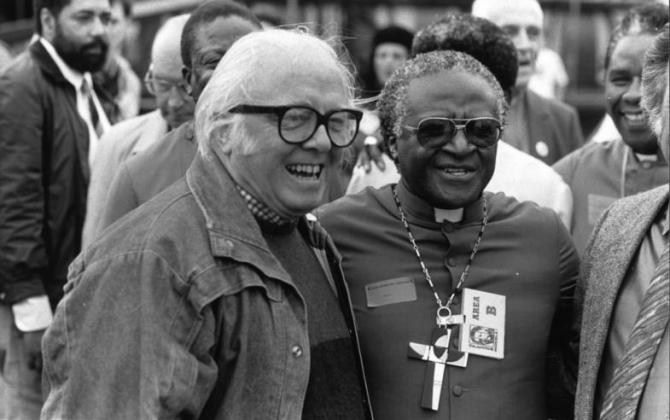 Richard Attenborough, Desmond Tutu