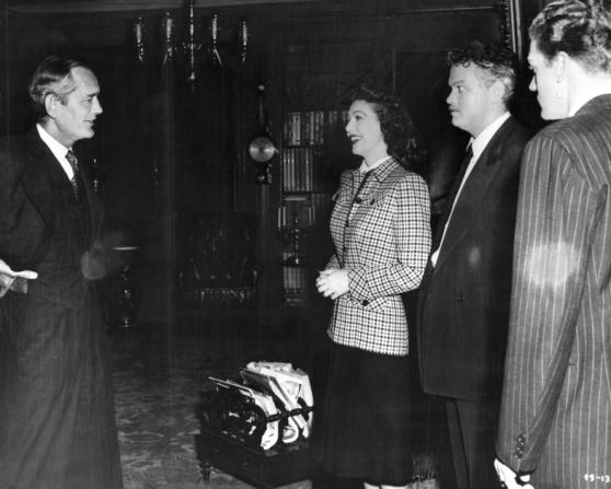 Loretta Young, Orson Welles, Byron Keith, Philip Merivale