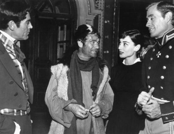 Henry Fonda, John Mills, Audrey Hepburn, Mel Ferrer