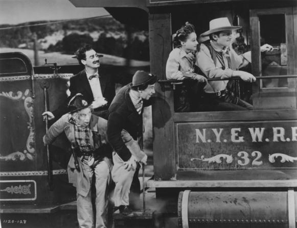 Harpo Marx, Groucho Marx, Chico Marx, Diana Lewis, John Carroll