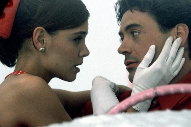 Katie Holmes, Robert Downey Jr
