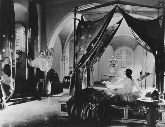 Norma Shearer, Leslie Howard