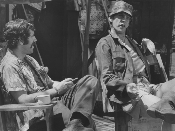 Elliott Gould, Donald Sutherland
