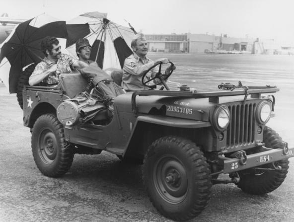 Elliott Gould, Donald Sutherland, Bobby Troup