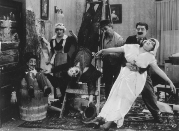 Charles Chaplin, Charles Inslee, Billy Armstrong, Marta Golden, Edna Purviance, Leo White