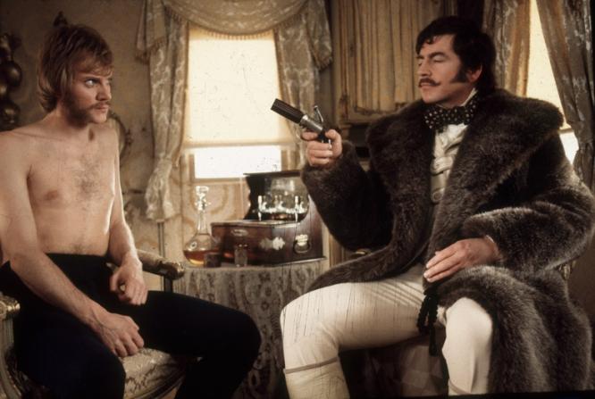 Malcolm McDowell, Alan Bates