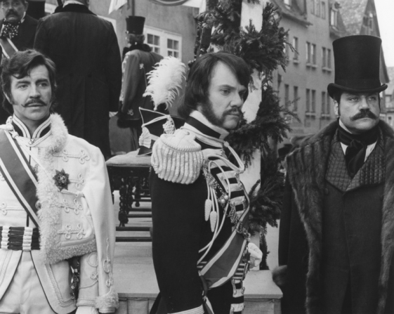 Alan Bates, Malcolm McDowell, Oliver Reed