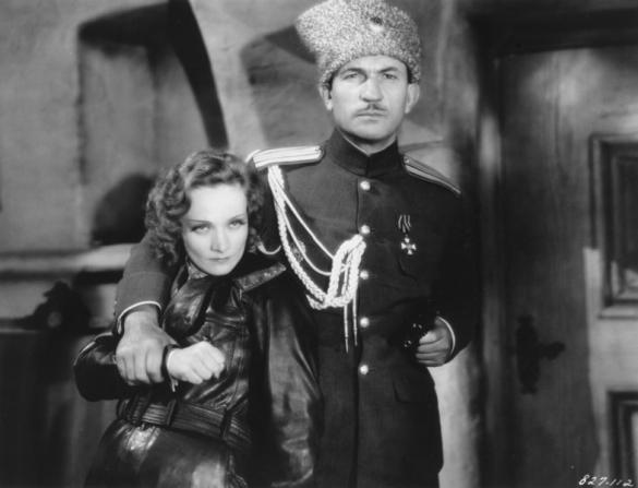 Marlene Dietrich, Victor McLaglen