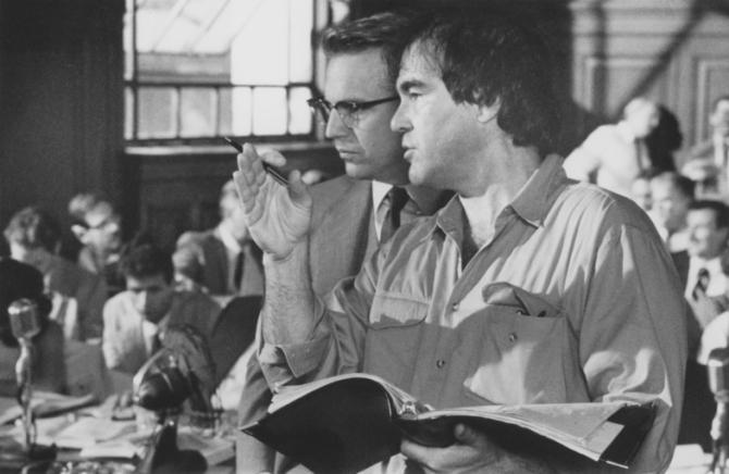 Kevin Costner, Oliver Stone