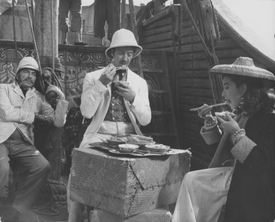 David Niven, Shirley MacLaine, Robert Newton