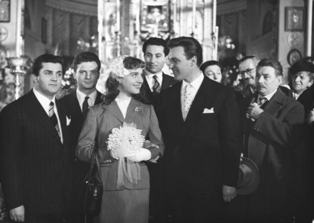 Franco Interlenghi, Franco Fabrizi, Leopoldo Trieste, Riccardo Fellini, Leonora Ruffo, Paola Borboni, Jean Brochard, Enrico Viarisio
