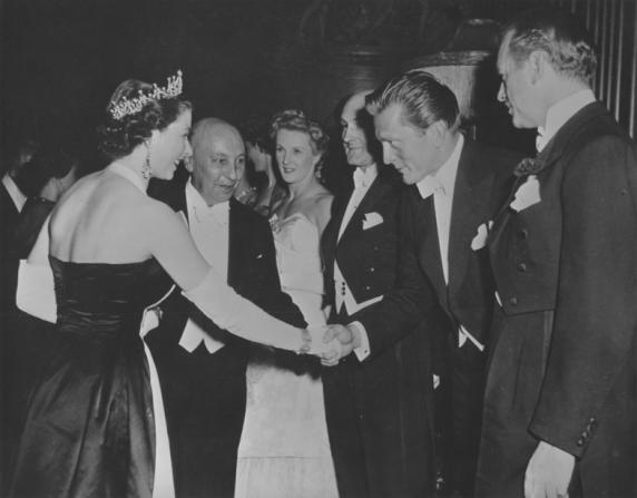 Queen of United Kingdom Elizabeth II, Kirk Douglas
