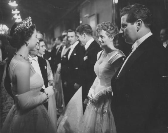 Queen of United Kingdom Elizabeth II, Shelley Winters, Peter Ustinov