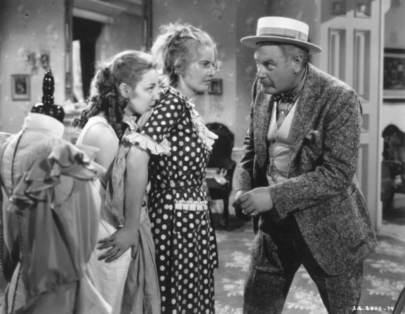 Barbara Stanwyck, Alan Hale, Anne Shirley