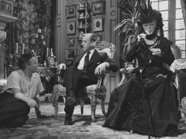 Robert Hamer, Alec Guinness, Bette Davis