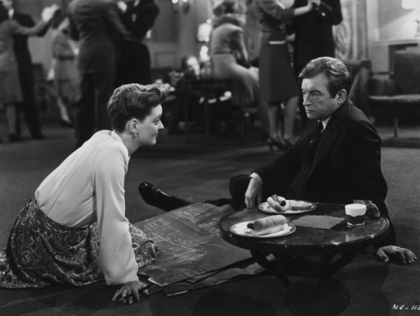 Bette Davis, Claude Rains