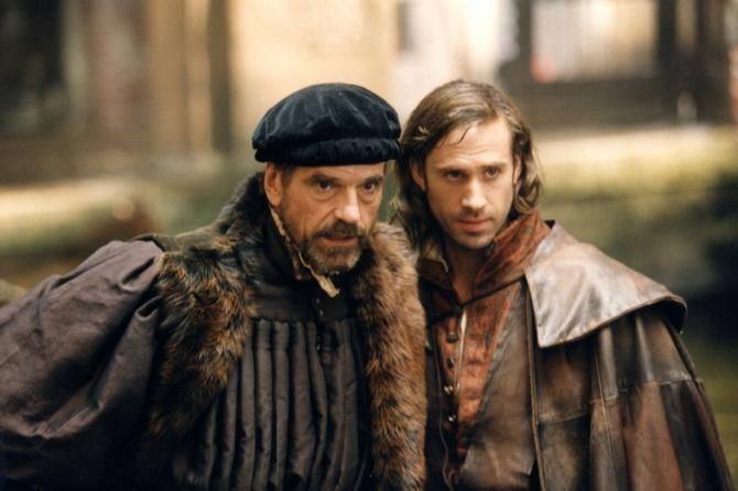 Jeremy Irons, Joseph Fiennes