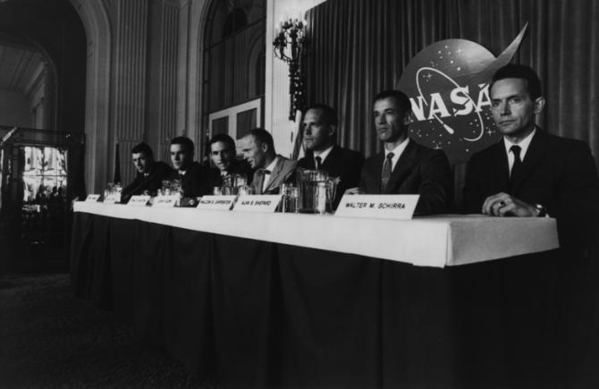 Fred Ward, Dennis Quaid, Scott Paulin, Ed Harris, Charles Frank, Scott Glenn, Lance Henriksen
