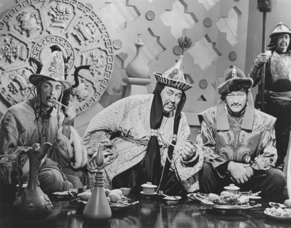 John Hoyt, Thomas Gomez, John Wayne