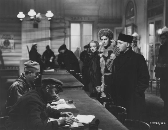 Marlene Dietrich, Robert Donat
